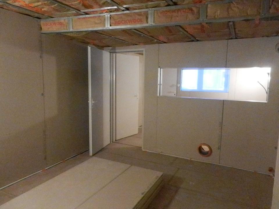 Plaque de plâtre sur les murs