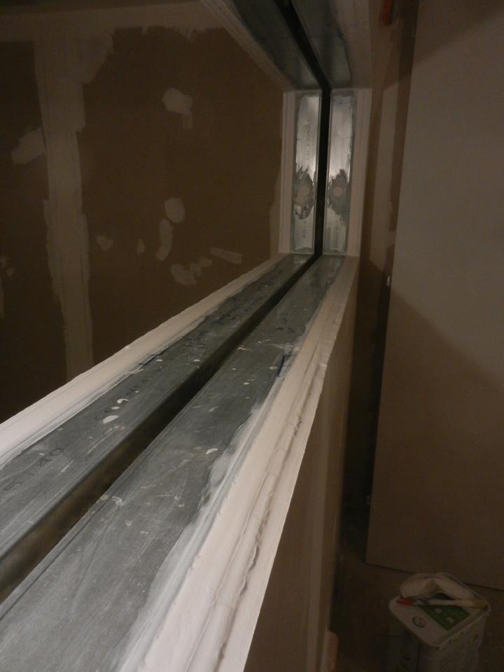 Fenêtre, joint acrylique