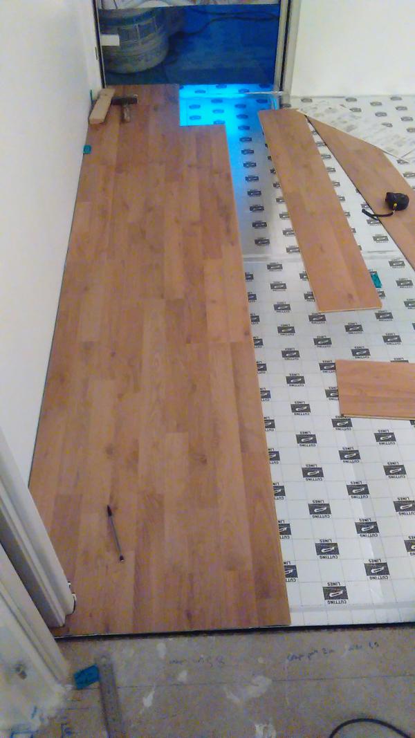 peindre du parquet peinture plancher bois avec peinture plancher bois avec peindre un parquet. Black Bedroom Furniture Sets. Home Design Ideas